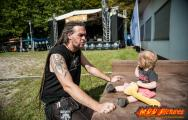 images/RIW2014/Crowd-025.jpg